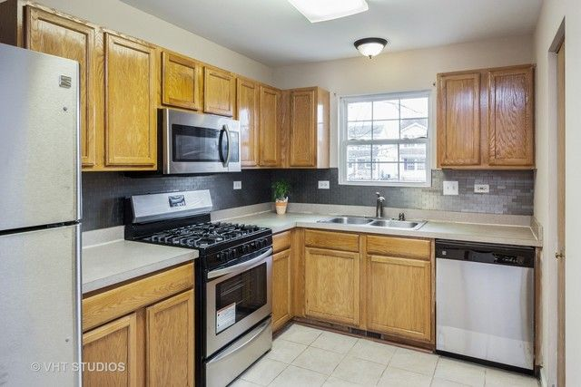 Traditional, Detached Single - Lockport, IL (photo 4)