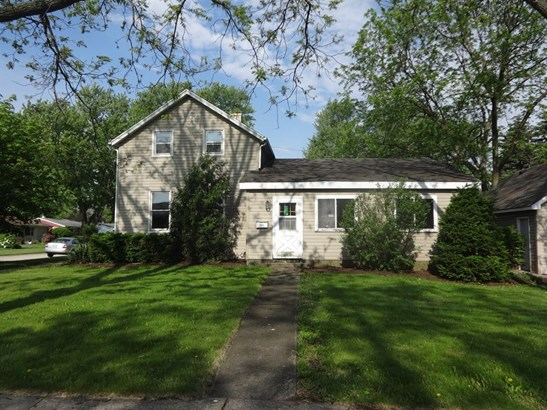 Farmhouse, Detached Single - Cary, IL (photo 1)