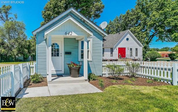 Cottage, Detached Single - Aurora, IL (photo 1)