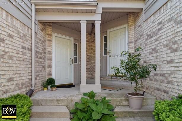 Townhouse - Woodridge, IL (photo 2)