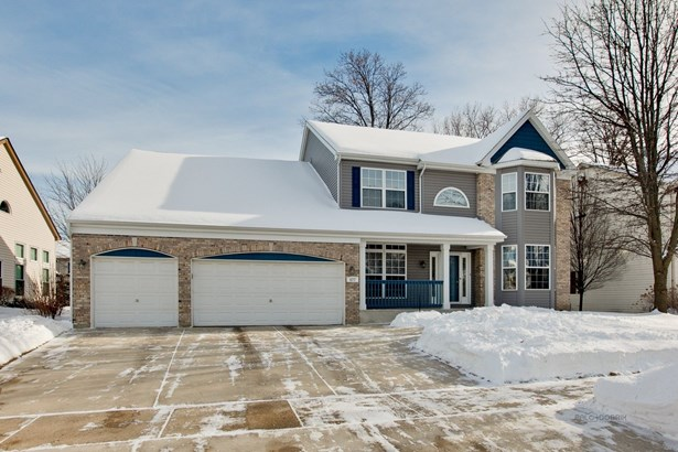 Traditional, Detached Single - Gurnee, IL (photo 2)
