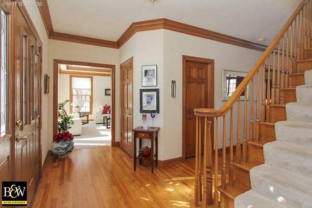 Traditional, Detached Single - Tower Lakes, IL (photo 2)