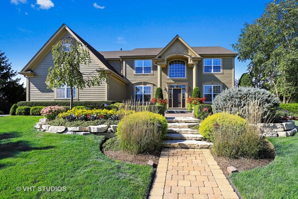 Traditional, Detached Single - Hawthorn Woods, IL
