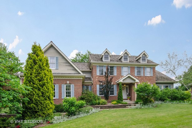 Traditional, Detached Single - Woodstock, IL (photo 2)