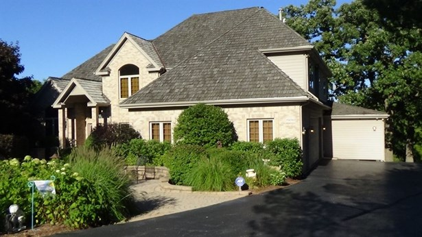 Traditional, Detached Single - West Dundee, IL (photo 3)