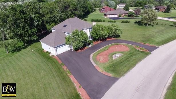 Colonial, Detached Single - Huntley, IL (photo 2)