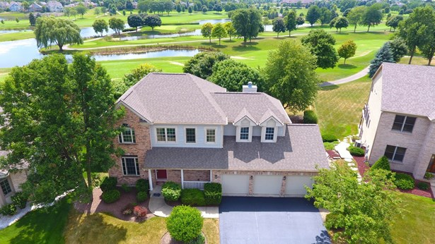 Colonial, Detached Single - Lake In The Hills, IL