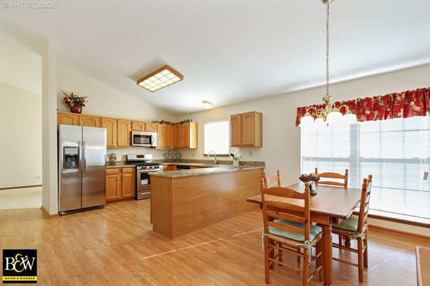 Ranch, Detached Single - Spring Grove, IL (photo 4)