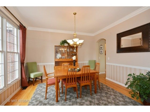 Traditional, Detached Single - St. Charles, IL (photo 5)