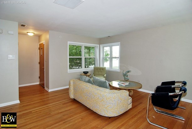 Two to Four Units - Westchester, IL (photo 2)