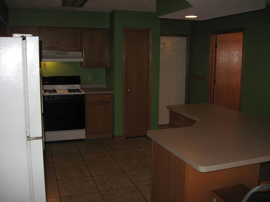 Condo - Sycamore, IL (photo 5)