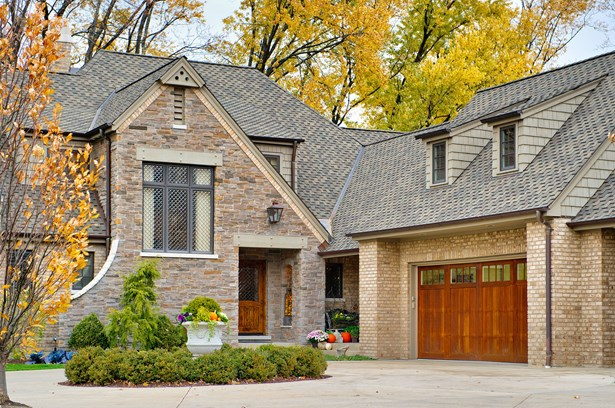 English, Detached Single - Willowbrook, IL