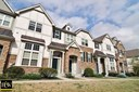Townhouse - Carol Stream, IL (photo 1)