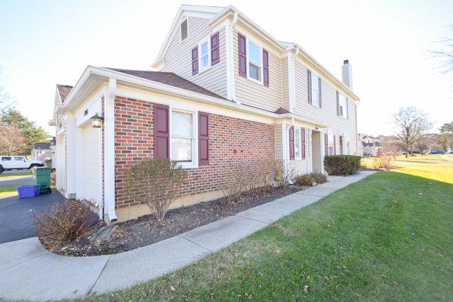 Townhouse - Elk Grove Village, IL (photo 2)