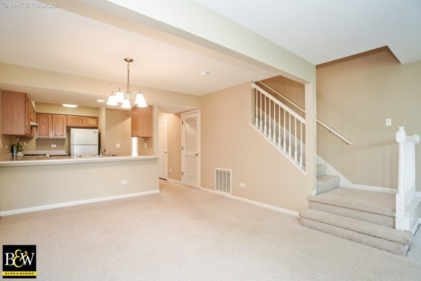 Townhouse - Mchenry, IL (photo 5)