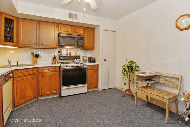 Condo - Forest Park, IL (photo 5)
