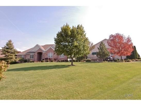 Ranch, Detached Single - Poplar Grove, IL