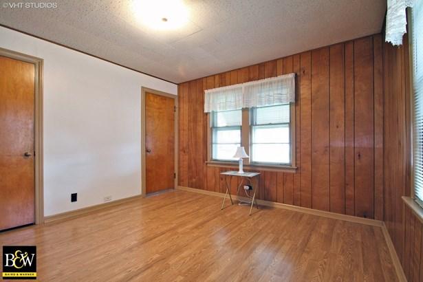 Detached Single - Morton Grove, IL (photo 4)
