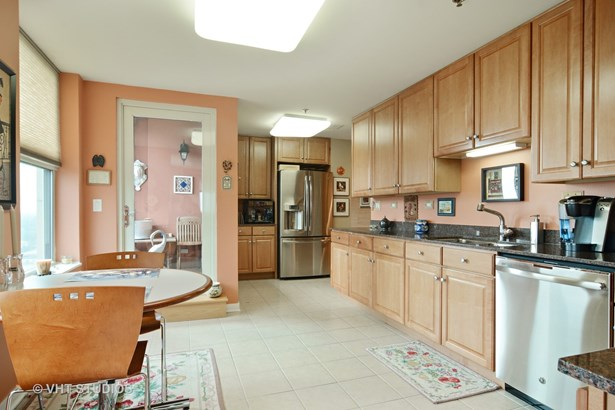 Condo - Arlington Heights, IL (photo 5)