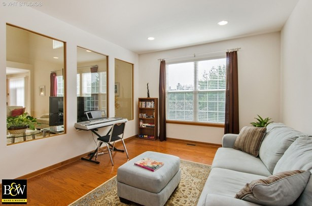 Contemporary, Detached Single - Cary, IL (photo 5)