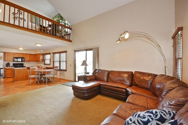 Traditional, Detached Single - North Aurora, IL (photo 5)