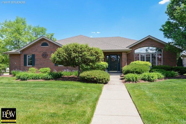 Detached Single, Step Ranch - Frankfort, IL