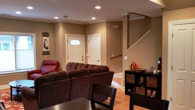 Townhouse - Brookfield, IL (photo 3)