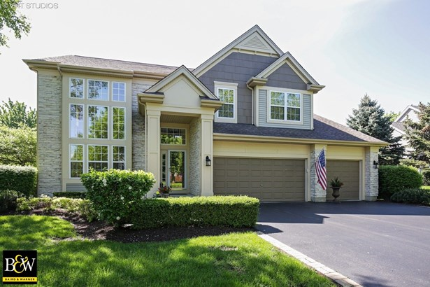 Traditional, Detached Single - Crystal Lake, IL (photo 1)