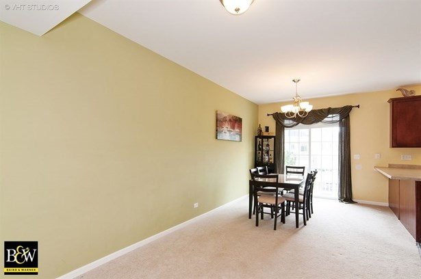 Townhouse - Hanover Park, IL (photo 4)