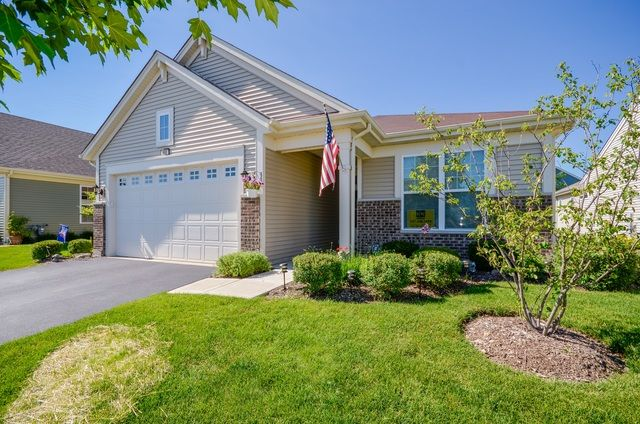Ranch, Detached Single - Pingree Grove, IL (photo 1)