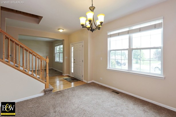 Traditional, Detached Single - Round Lake, IL (photo 5)
