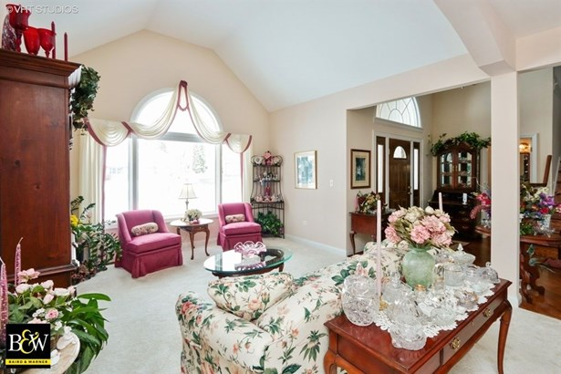 Traditional, Detached Single - Grayslake, IL (photo 5)