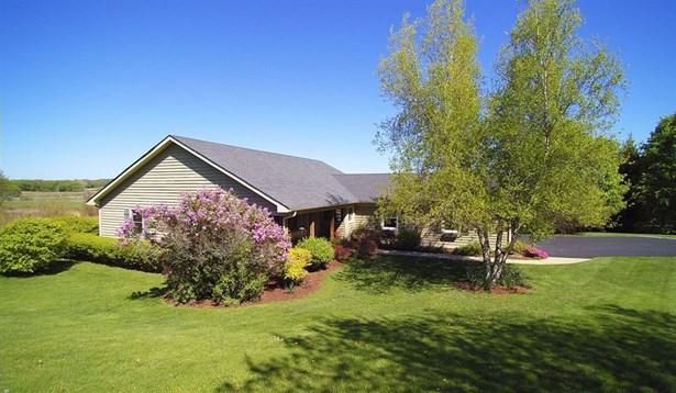 Ranch, Detached Single - Elburn, IL (photo 2)