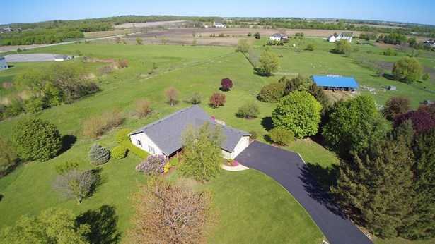 Ranch, Detached Single - Elburn, IL (photo 3)