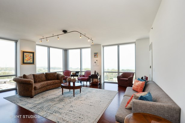 Condo - Chicago, IL (photo 3)