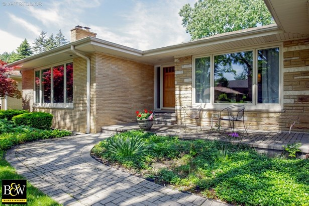Ranch, Detached Single - Lincolnwood, IL (photo 2)