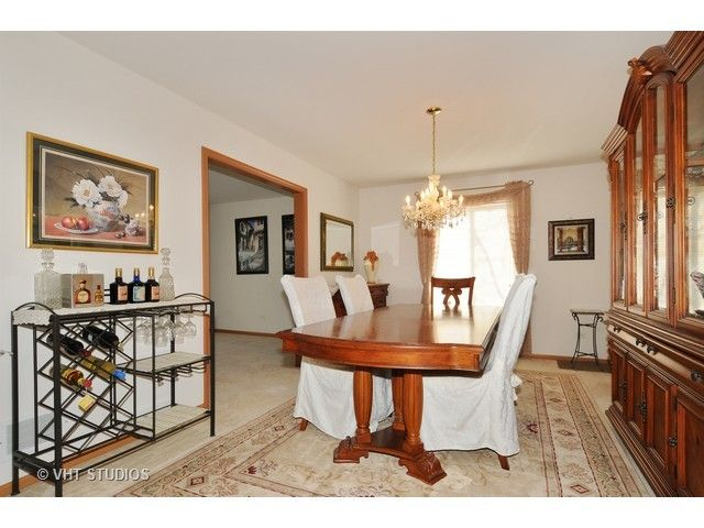 Colonial, Detached Single - Bolingbrook, IL (photo 5)