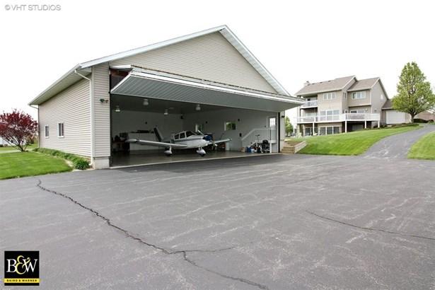 Contemporary, Detached Single - Poplar Grove, IL (photo 3)