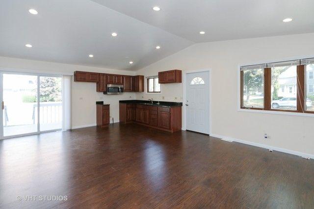 Tri-Level, Detached Single - Zion, IL (photo 4)