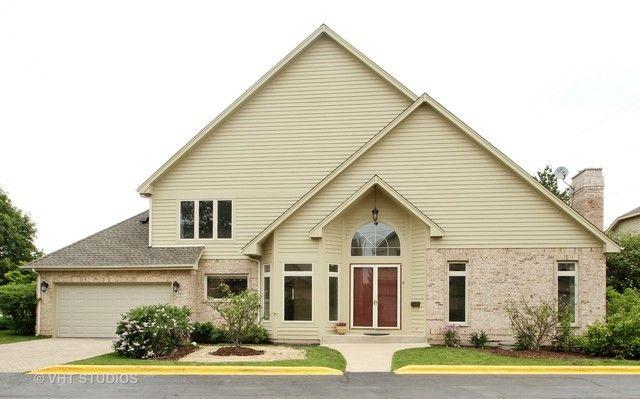 Townhouse - Morton Grove, IL (photo 1)