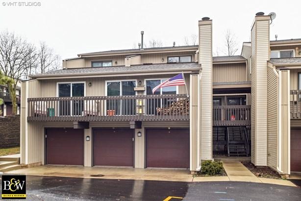 Townhouse - Fox Lake, IL (photo 1)
