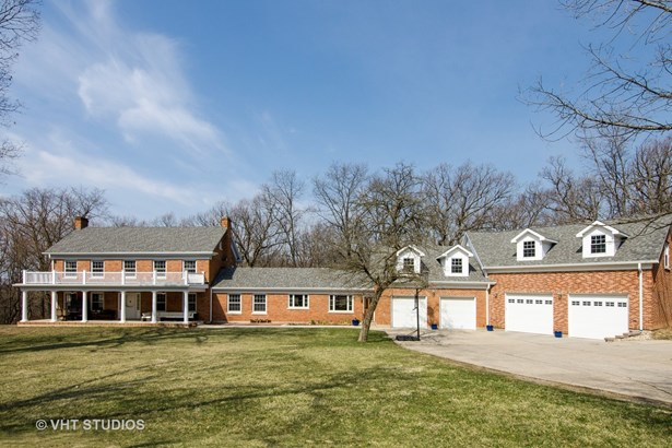 Colonial, Detached Single - East Dundee, IL (photo 1)