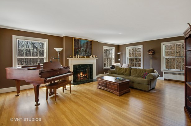 Colonial, Detached Single - East Dundee, IL (photo 4)