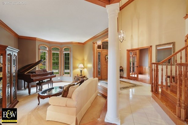 Traditional, Detached Single - St. Charles, IL (photo 3)