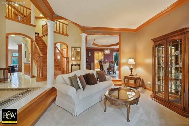 Traditional, Detached Single - St. Charles, IL (photo 4)