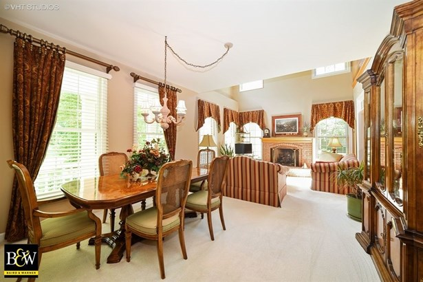 Townhouse - St. Charles, IL (photo 3)