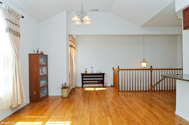 Condo - Wauconda, IL (photo 5)