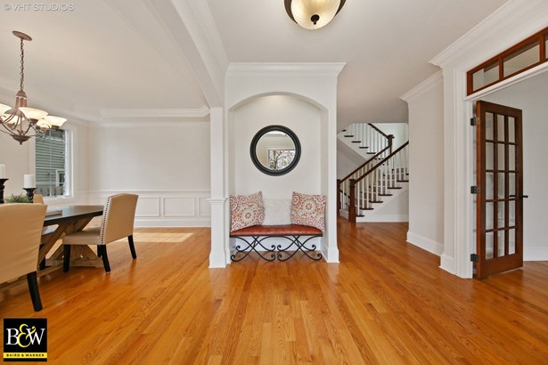 Detached Single, French Provincial - Downers Grove, IL (photo 2)