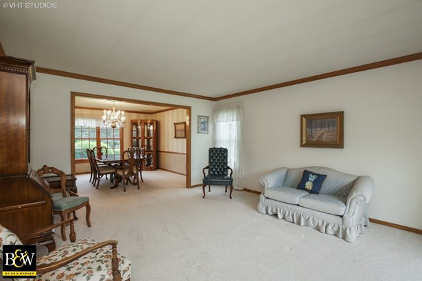 Colonial, Detached Single - Crystal Lake, IL (photo 4)