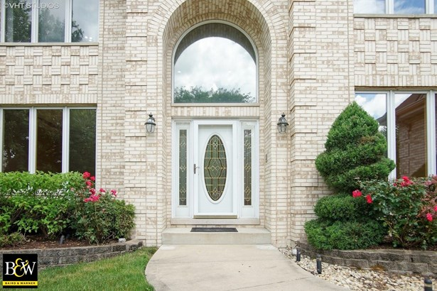 Traditional, Detached Single - Bloomingdale, IL (photo 2)